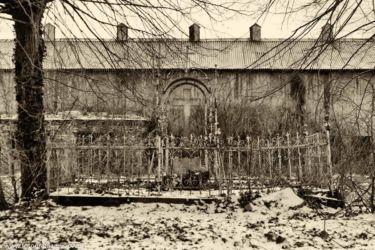 zabytki-opolszczyzny-smogorzow-grob-biskopow-102
